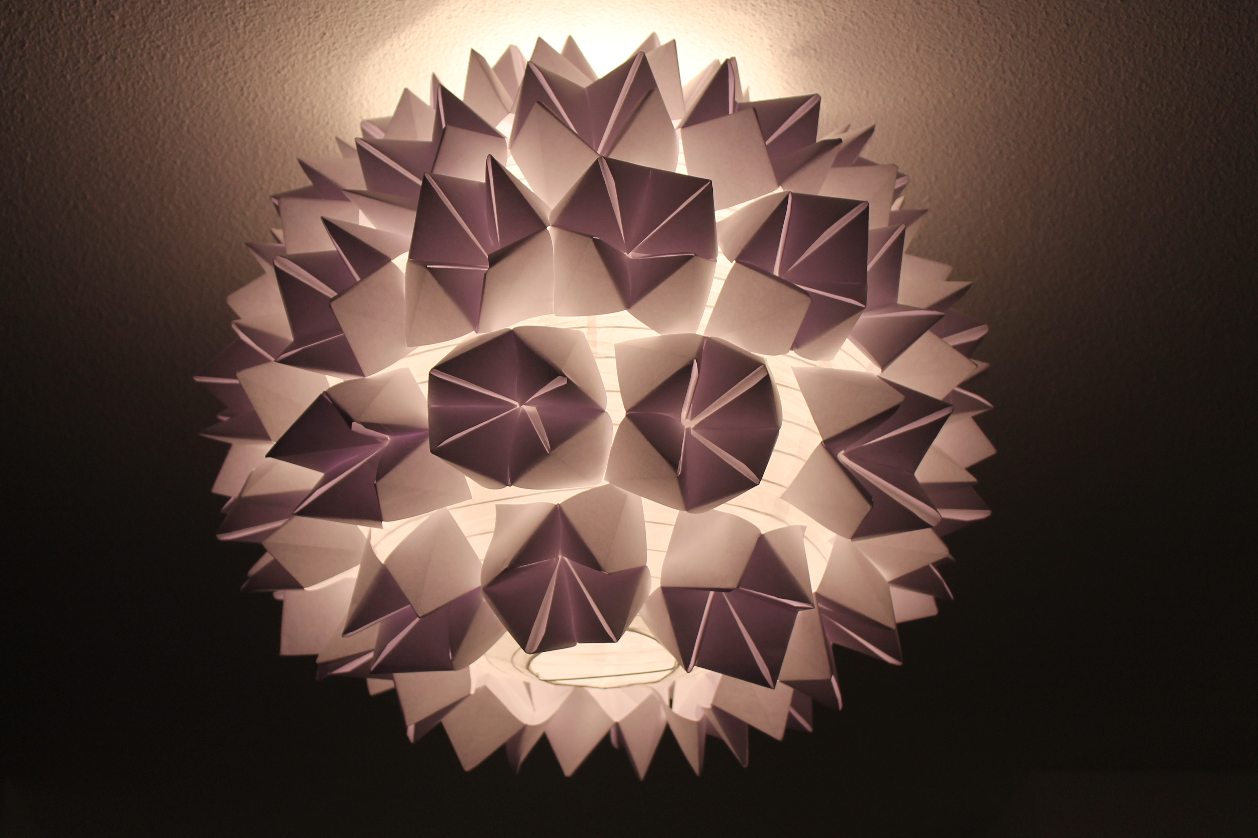 Lustre en papier simple lustre composer soimme modle for Lustre en papier